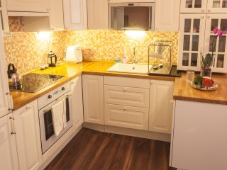 Central, Walkable, Luxury, Near Tram/Metro, Wifi, Quiet, Sleeps 10 :-), Prague