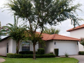 4 Bedroom House with Private Pool Near Golf, Four Corners