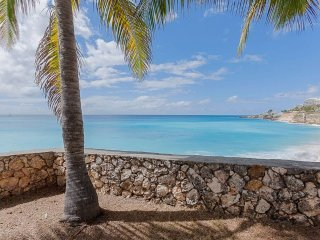 ADELAIDE'S ESCAPE...2BR condo can be your sweet tropical escape too!  Walk to, St. Martin