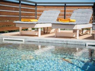 Happy Villa with Heated Pool