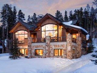 Mountain Majesty Manor - Private Home
