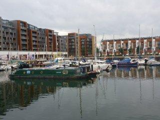 Modern Penthouse Marina Apartment