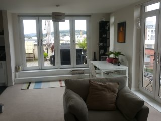 Modern Penthouse Marina Apartment, Weston-in-Gordano
