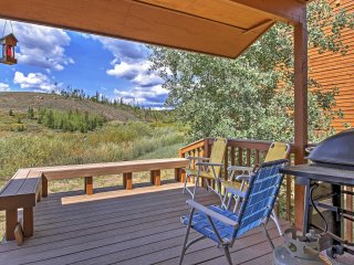 NEW! Bright 3BR Grand Lake Condo w/Private Deck