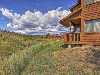 Grand Lake Condo w/ Deck & Mtn View + Pool Access!