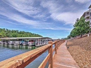 4BR Osage Beach Condo w/Lakefront Decks!