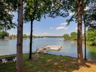 What a View Too! Great Family Meeting Place!  New Renovation., Lake Norman
