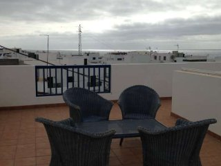 APARTMENT ZINDYRAN IN LA SANTA FOR 3P, Caleta del Caballo