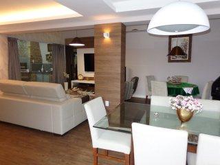 Maravilhosa casa 4 q, 4 wc, ar split, Wi-Fi