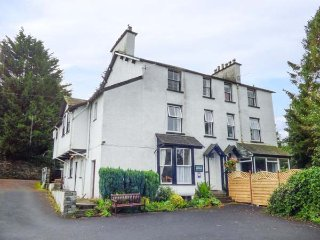 BOW FELL, second floor apartment, with WiFi and parking, in Bowness-on-Windermer