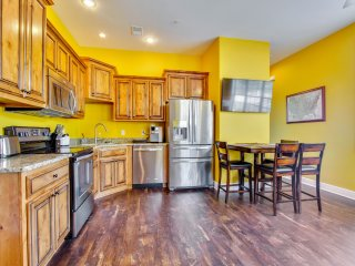 New Upscale 2br *Sightseer Studio (47-4) *Indoor Pool*Silver $ City*Lake view*, Branson West
