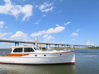 New! Modernized Vintage Yacht., Charleston