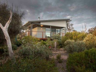 Coorong Cabins (Pelican) - Deluxe Accommodation