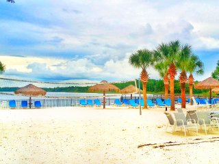 Bahama Bay Resort By Wyndham -Ground Floor On Lake (Only 10 Minutes From Disney)