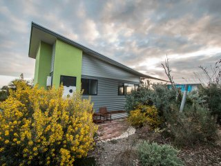 Coorong Cabins (Wren) - Deluxe Accommodation