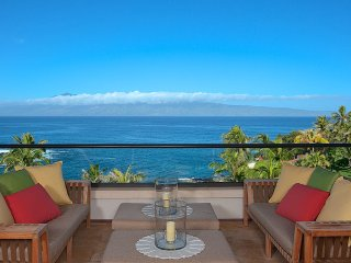 Privately-Owned Penthouse with Ocean views in Maui