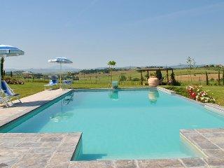 Villa accommodation up to 6 pax close to Cortona