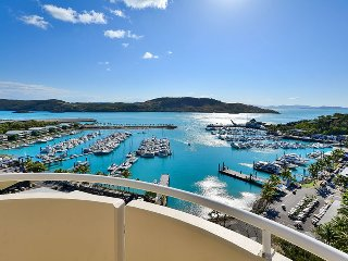 Exclusive Yacht Harbour Tower Luxury Sub Penthouse 10, Hamilton Island