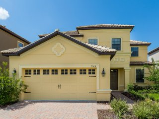 5 bed Home with South Facing Pool (9160-CHAMP)