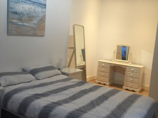 Newly Refurbished City Centre Flat