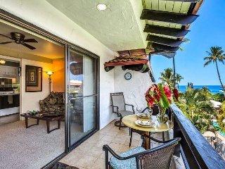 Ocean Views, AC, WiFi - Casa De Emdeko 306, Kailua-Kona