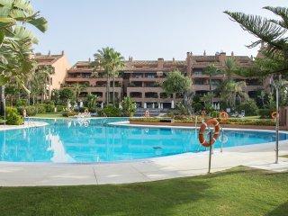 #718 Luxurious Apartment in Puerto Banus, Nueva Andalucia