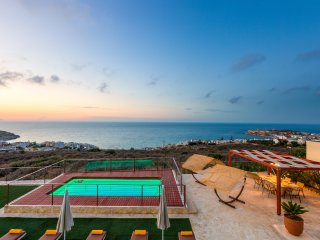 Villa Princess, Exceptional View & Close to City!