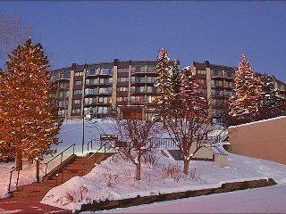 Ski In, Walk Out with Private Shuttle in Ski Season! - Tastefully Furnished & Decorated Condo with Great Views (4232), Steamboat Springs