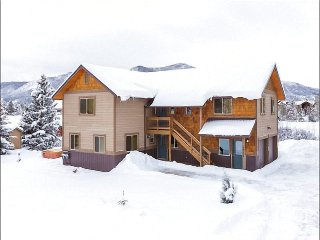 Beautifully Renovated Private Home - Two Brand New Fully Equipped Kitchens (3511), Steamboat Springs