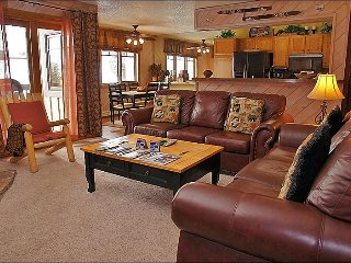 Ski to within 30 Yards of the Condo - Private Shuttle & City Shuttle Service (3708), Steamboat Springs