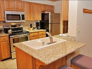 Ultimate SKI IN SKI OUT Resort Location - Kitchen & Bathrooms Recently Remodeled  (5784), Steamboat Springs