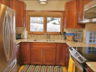 Renovated, Updated , Stylish Condo - Convenient Central Location (7230), Steamboat Springs