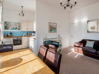 Homely Apartment in Bath, Sleeps 3 (CPL)