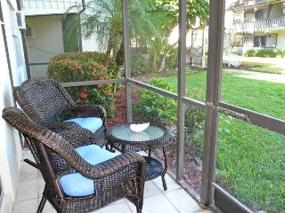 Relaxing condo w/ heated pool just a short walk from the beach