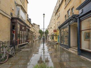 Bath City Centre, Quiet Apartment, Sleeps 6 (MB)