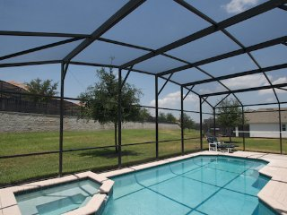 4 bedroom villa with pool, spa and games room, Kissimmee
