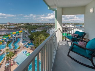 2 Balconies - Waterpark, Gulf, Intercostal Views!