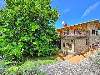Villa Lorena with private swimming pool, Castiglion Fibocchi