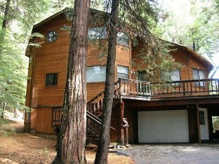 Enjoy this Dorrington Mountain Cabin COME REST AWHILE! Private Community Lake