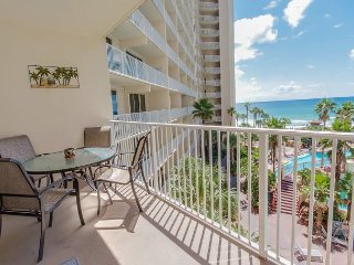 2bd/2ba w/ sleeper sofa~ FREE Activities~ Perfect Luxury Summer Getaway!!!