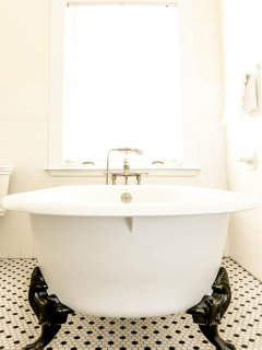 Large clawfoot bathtub. Premium towels. Shampoo, conditioner and soap. Hair dryer.