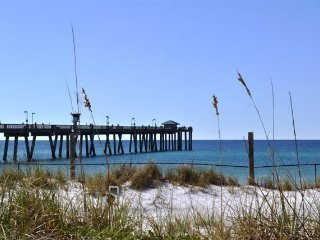 Sunset on the Island only 100 yards from the Gulf - GROUND FLOOR CONDO POOLSIDE, Fort Walton Beach