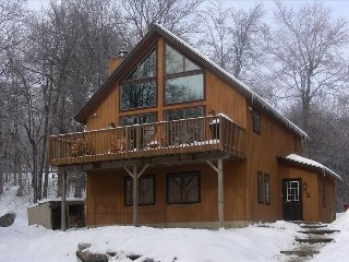 Slopeside Home-Perfect Ski in Ski Out with Hot Tub