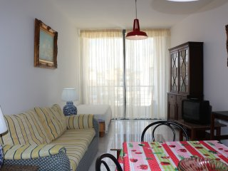 Central 2 Bedroom Apart. Free Wifi, St. Paul's Bay