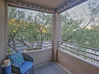 Pet-Friendly Tucson Condo w/ Shared Pool & Hot Tub