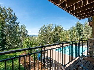 Wooded Retreat in Steamboat Springs - Communal Pool & Minutes to Skiing