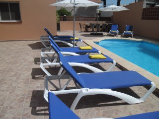 5 Bedroom, air conditioned, private pool,Corralejo