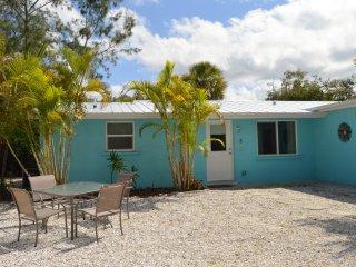 Crescent Beach Cottage 6 BR, Siesta Key