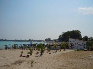 Trilocale in villa Nettuno a 20 m dal mare