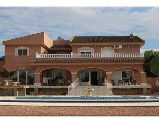 Stunning Modern VILLA AZUL, Costa Blanca, Alicante, Benijofar